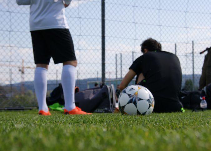 Des joueurs de football à l'entraînement.